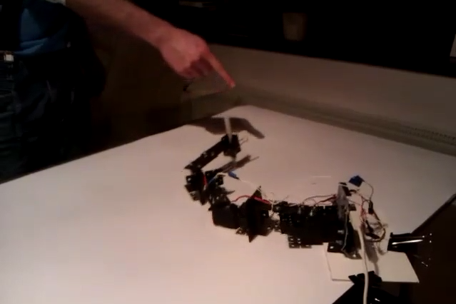 Kinect Drawing Arm Using Arduino, Processing and Multiple Servo's