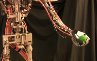 Juggling With a Animatronic Humanoid Robot